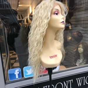 Accessories - Wig blonde curly 613 Alopecia Hairloss BUY ME